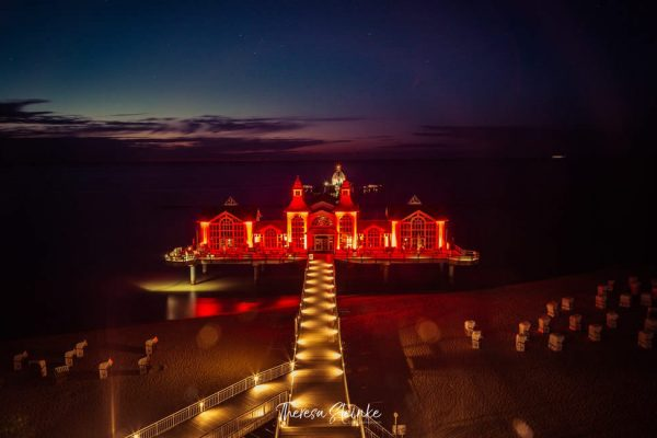 night-of-light-selliner-seebruecke-auf-ruegen